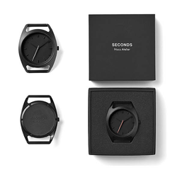Seconds Silver by Nocs Atelier | Black-on-black