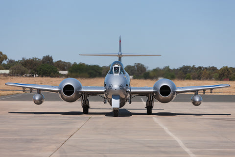 Image of a Meteor F8 while it taxis at Temora Airport.