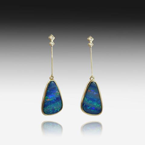 14kt Yellow Gold Opal drop earrings