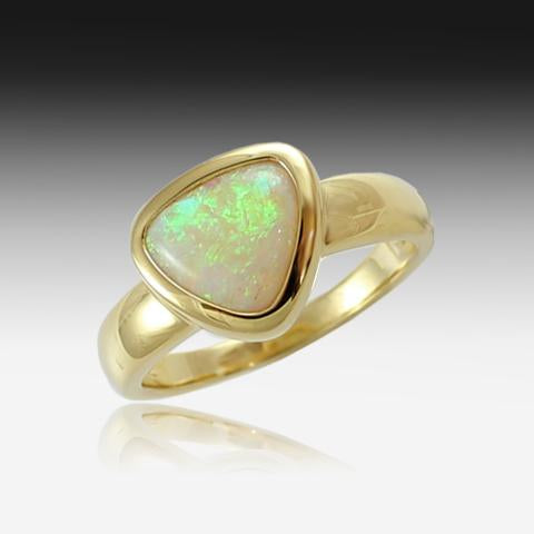 18K GOLD CRYSTAL OPAL RING