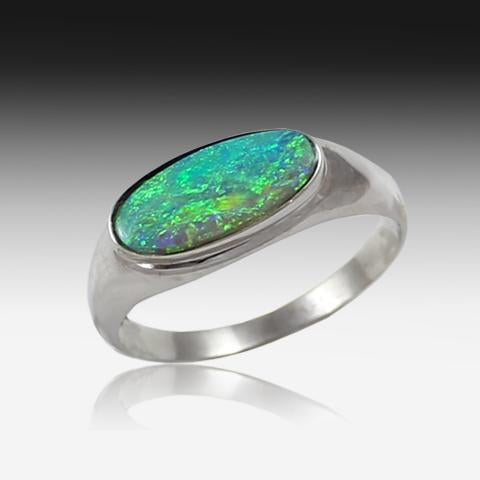 18kt White Gold Black Opal ring