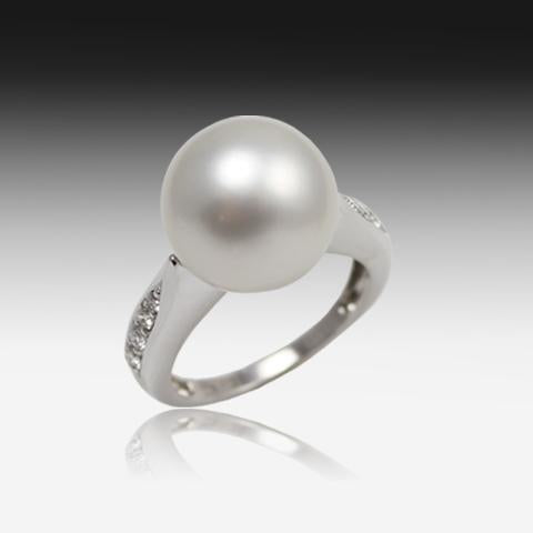 18KT WHITE GOLD SOUTH SEA PEARL RING AND DIAMONDS - Masterpiece Jewellery Opal & Gems Sydney Australia | Online Shop