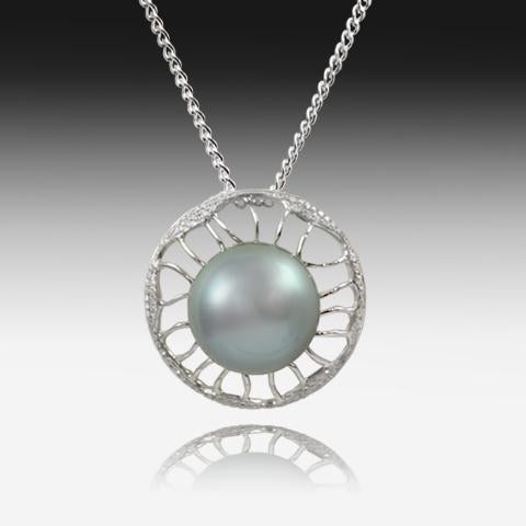 18KT WHITE GOLD PEARL AND DIAMOND PENDANT - Masterpiece Jewellery Opal & Gems Sydney Australia | Online Shop
