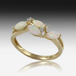 14kt Yellow Gold Opal ring
