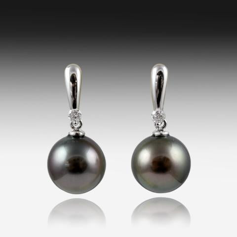 18KT WHITE GOLD BLACK PEARL EARRINGS