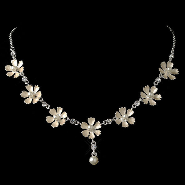 Silver White Pearl Flower Necklace 4838