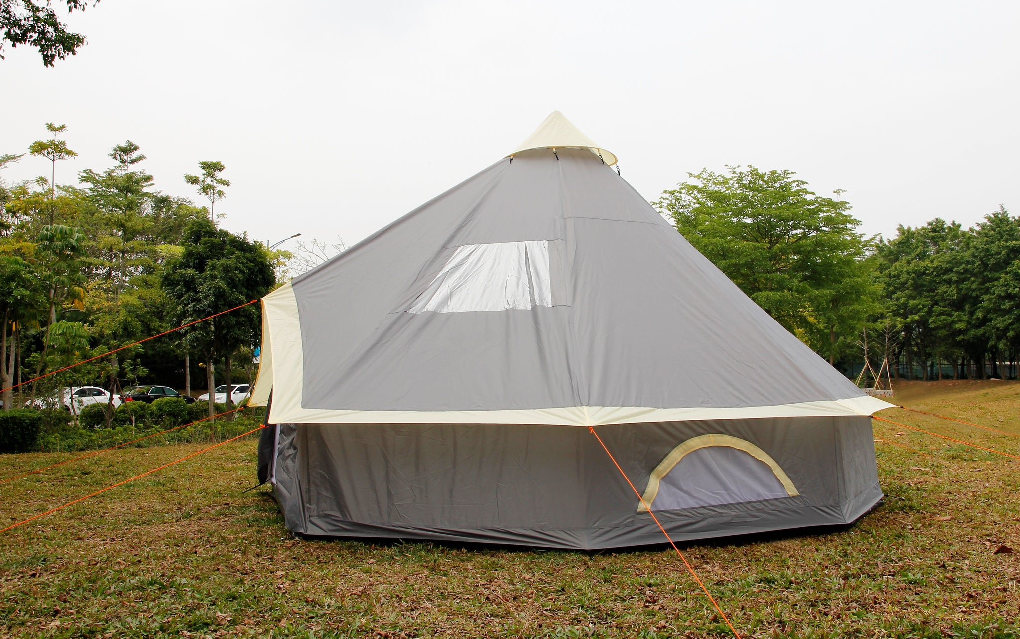 4m Bell tent 8 person pyramid round
