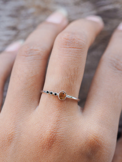 Honey Sapphire and Black Spinel Ring