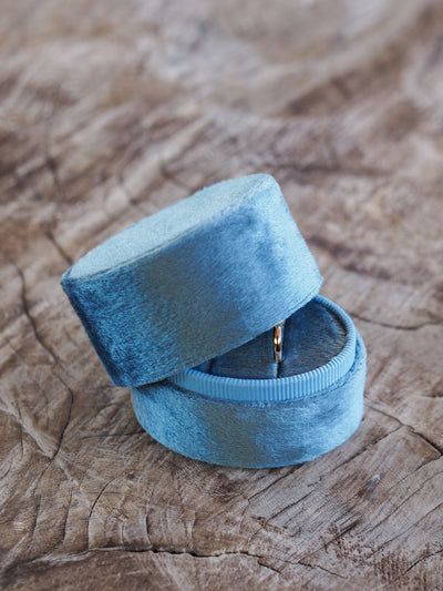 AA Meri Oval Velvet Ring Box - Gardens of the Sun Jewelry