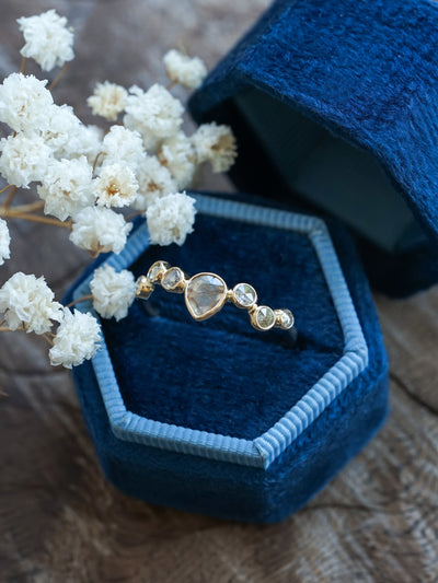 Wavy Diamond Ring in Gold