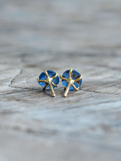 AA Meri check Yogo Sapphire Flower Earrings in Eco Gold - Gardens of the Sun Jewelry