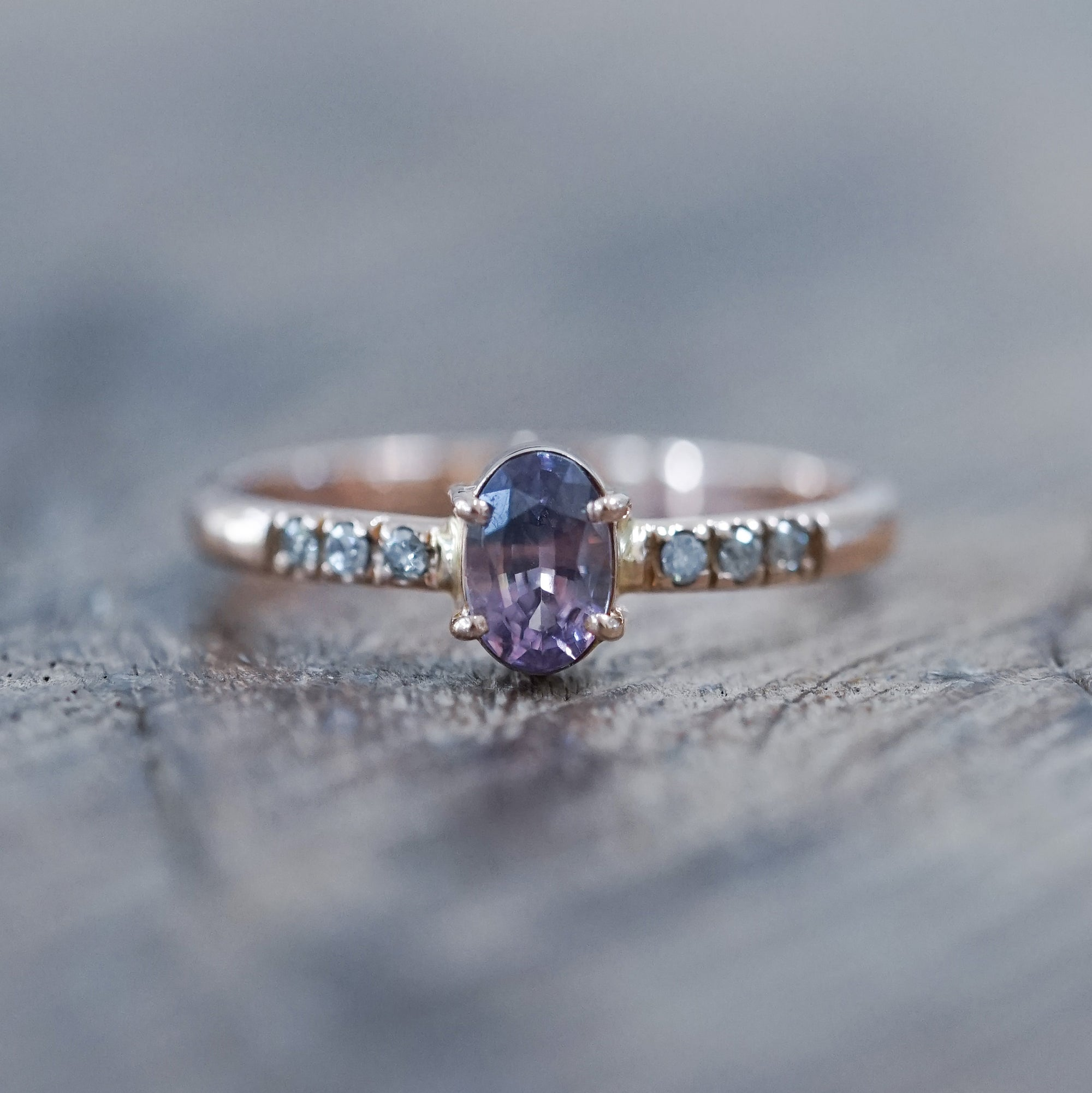 Tricolor Ceylon Sapphire Ring in Rose Gold