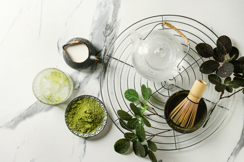 ingredients-you-will-need-to-make-an-iced-matcha-latte