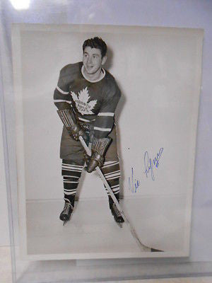 Toronto Maple Leafs Vic Lynn signed 7x9 photo w/ COA 1940s