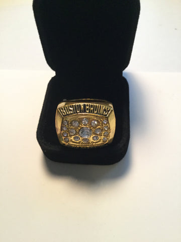 Bobby Orr replica Stanley Cup hockey ring 1972