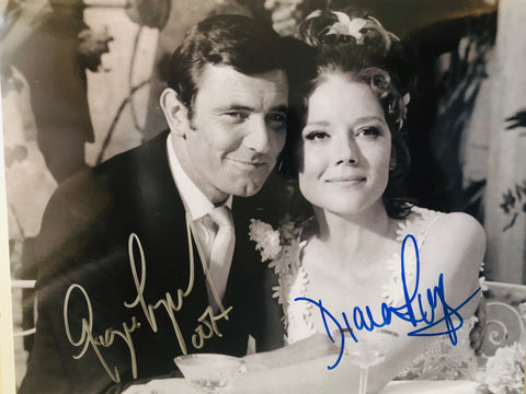 James Bond legends George Lazenby and Diana Rigg rare double autograph with COA