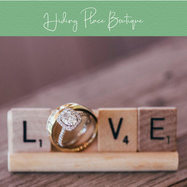 Love Ring Holder Wedding Rack