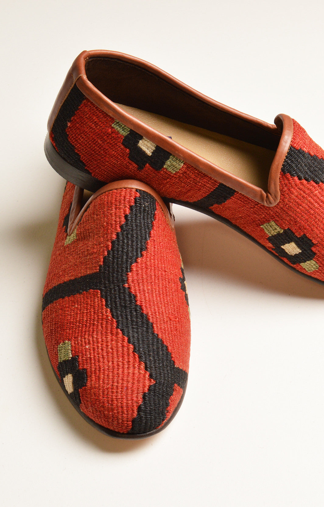 dapper mens shoes, mens loafers, red shoes, mens rug shoes, kilim loafers, mens res ipsa shoes