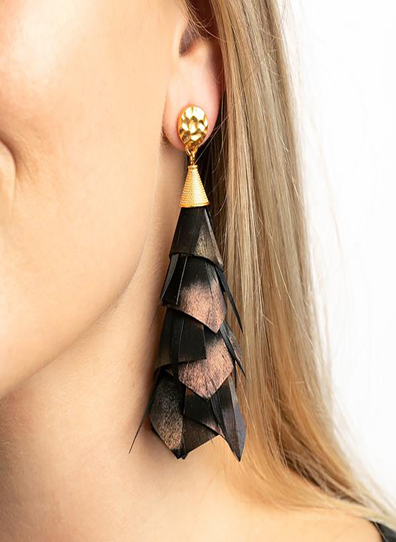 DOROTHY FEATHER EARRINGS