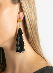 PARADES FEATHER EARRINGS WITH GOLD NUGGET