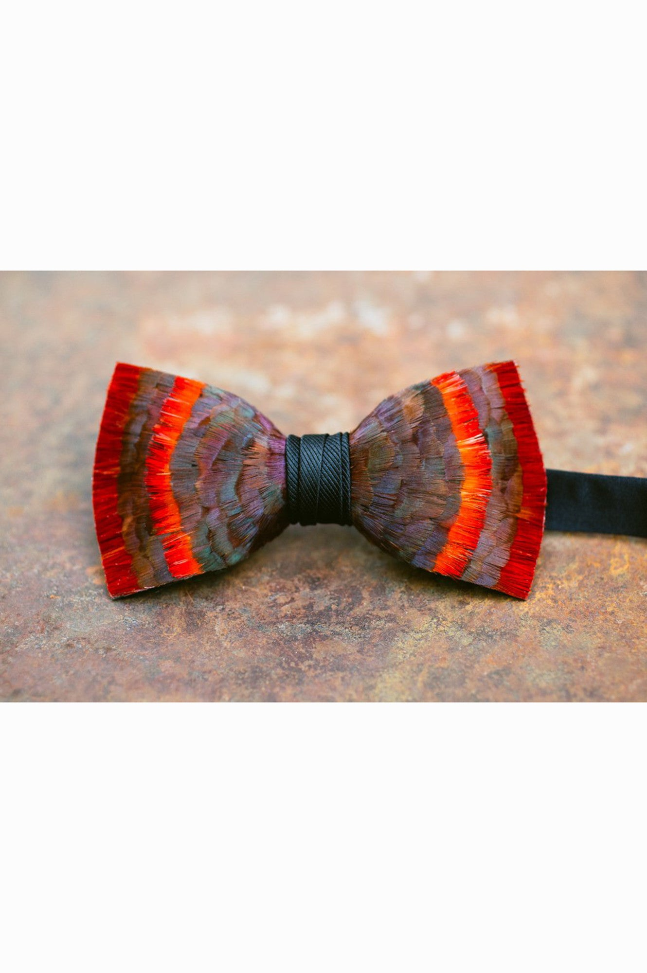 ETNA FEATHERS BOW TIE