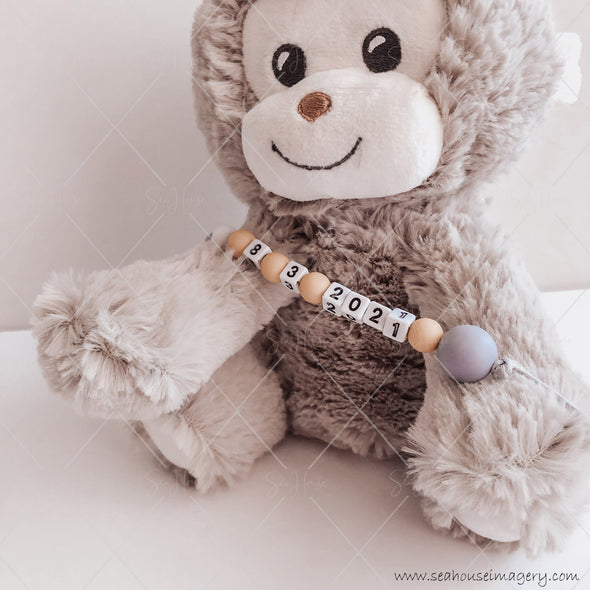 "Craft Hanging Creations 3596 Date ""8-3-2021"" Cheeky Monkey Reveal Baby Births Mustard, White Grey Beads Grey Cord 24cm"