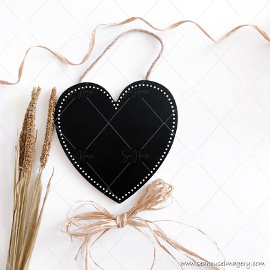 Happy Mother's Day 3845 Blank Black Chalkboard Heart Dried Wheat Heads Raffia Bow at Bottom Curl at Top Square Size