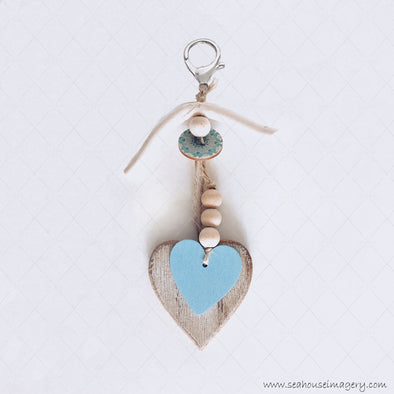 WM SeaHouse Craft Hanging Creations 2674 Driftwood Wooden & Blue Hearts Beads Blue Button 17cm