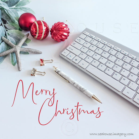 WM Merry Christmas Red Text Below Greenery Starfish Red Gold Baubles Keyboard Pen 1702