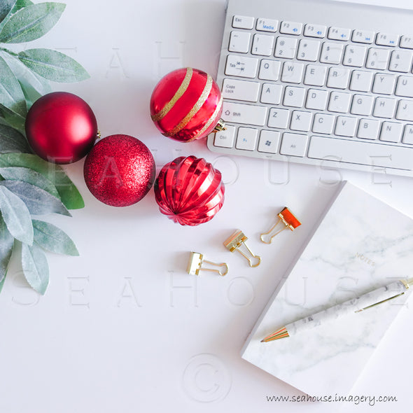 WM Merry Xmas Greenery Red Baubles Marble Notepad Pen Keyboard 1678 Square