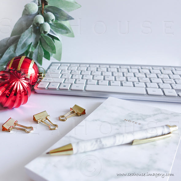 WM Merry Xmas Marble Notepad Pen Gum Nuts Red Baubles Keyboard Gold Clips 1675 Square