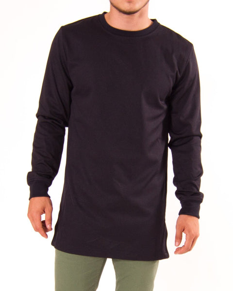 Men's long sleeve sweatshirt from Bellfield (titled Foulder). Elongated design, sits below the waist. Side zippers. Rib collar and cuffs. Front view of model.