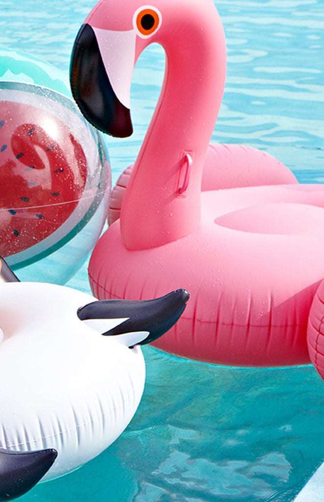 Luxe Float Inflatable - Flamingo Close Up