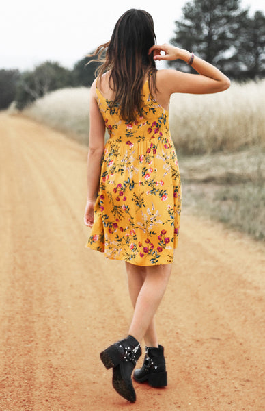Hotel California Yellow Dress Lookbook