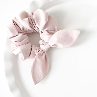 PINK CHICKIE SCRUNCHIE