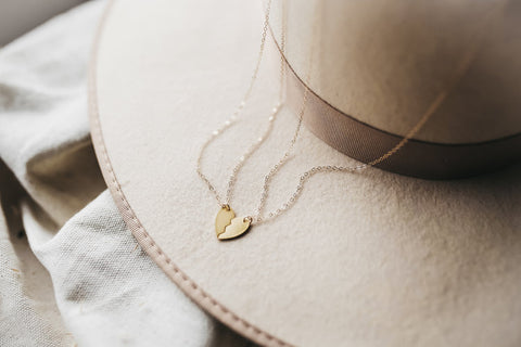 LOVE YOU GIRL NECKLACE
