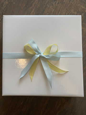 Gift Box with Ribbon Small - Total Woman Total Home