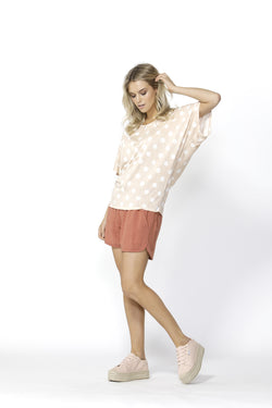 Betty Basics Maui Tee Blush/White Spot - Total Woman Total Home
