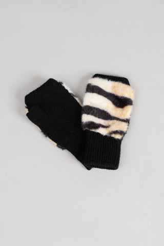 Brave + True Snow Flake Mittens Zebra