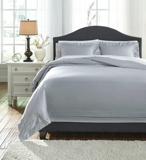 Chamness Queen Duvet Cover Set in 2 Colors