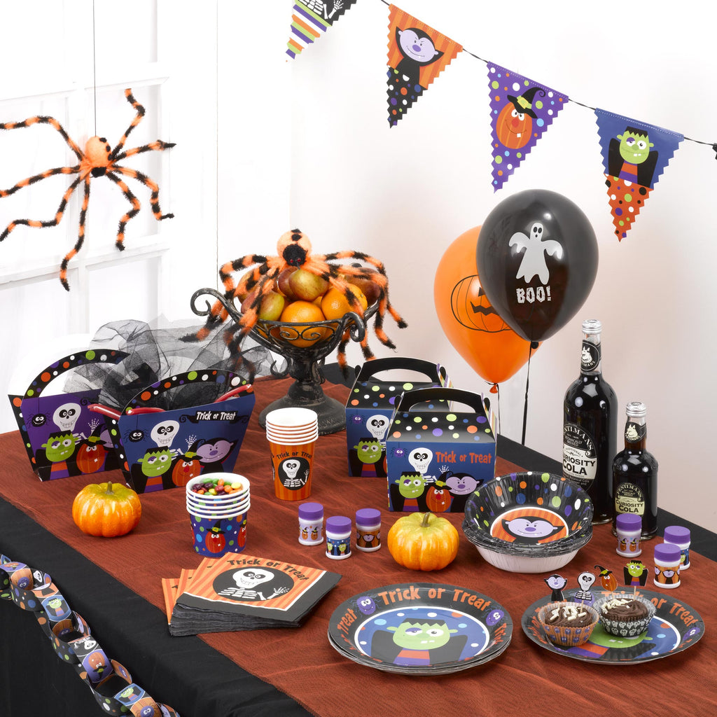 Trick or Treat 8 Plates