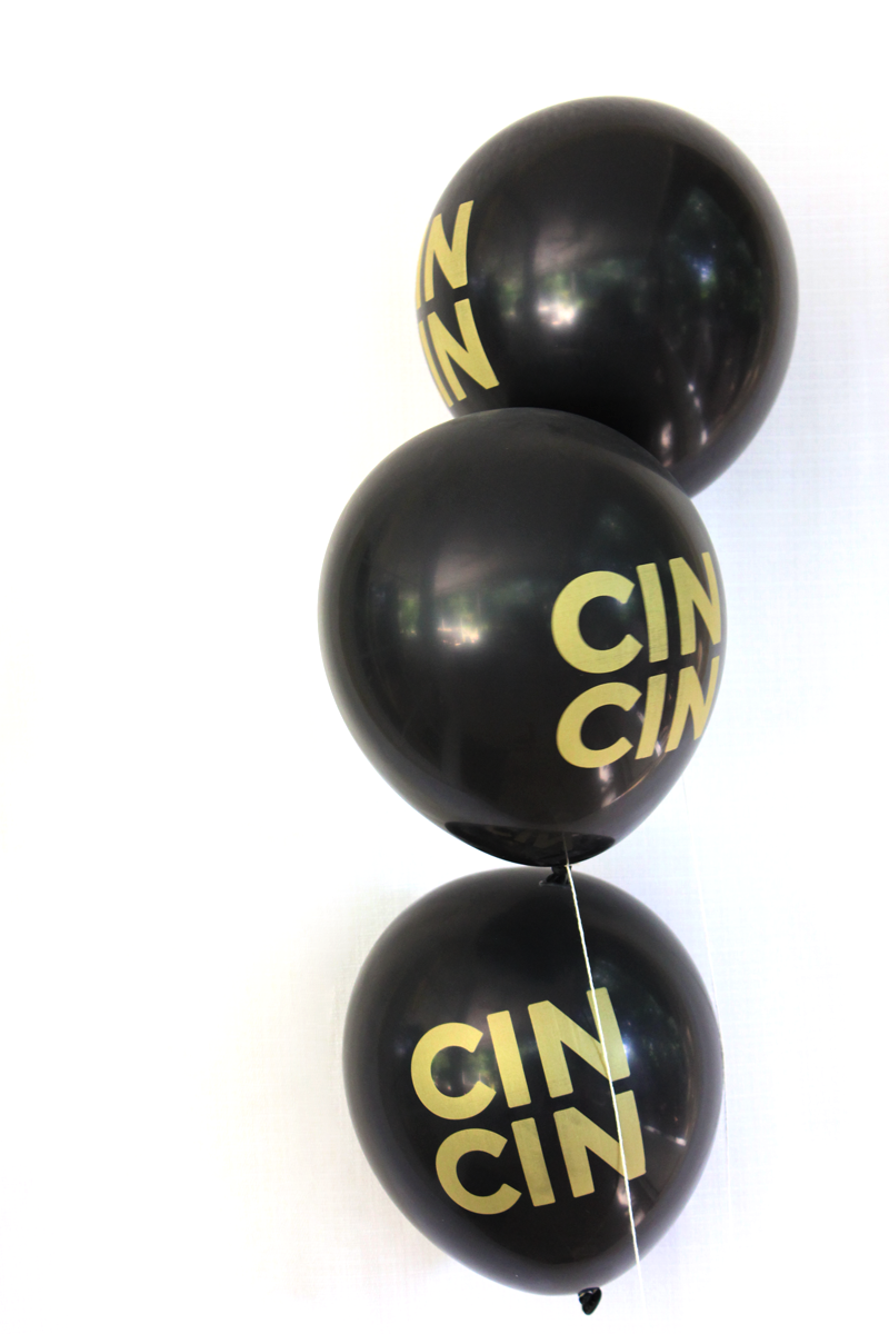 Black & Gold CINCIN 3 balloons