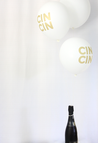 White & Gold CINCIN 3 balloons