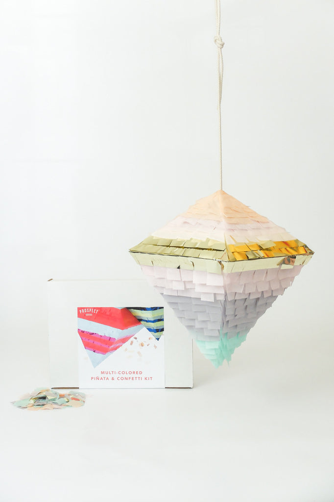 GIRL PEPPER Piñata & Confetti Kit