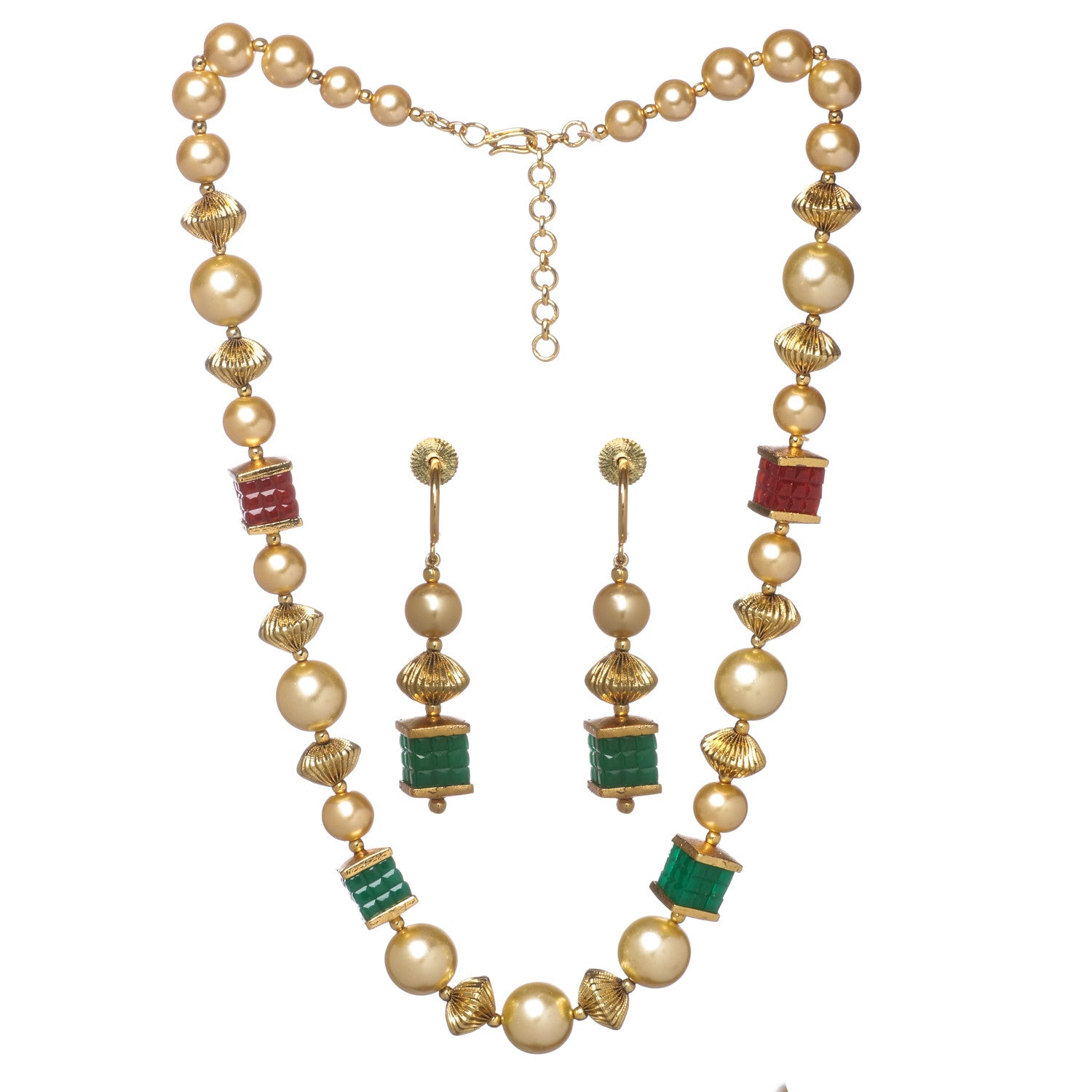 Mesmerizing necklace set with stone and pearls