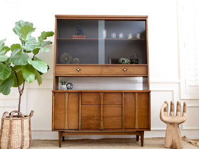 Name Brand Bassett: Vintage Mid Century Modern Hutch China Cabinet No289 - ShopGoldenPineapple