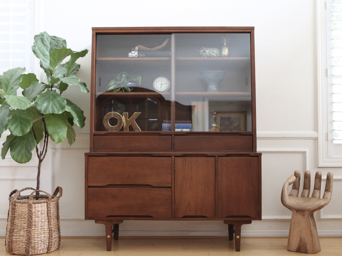 Picture of: Name Brand Stanley Vintage Mid Century Modern Hutch China Cabinet No3 Shopgoldenpineapple