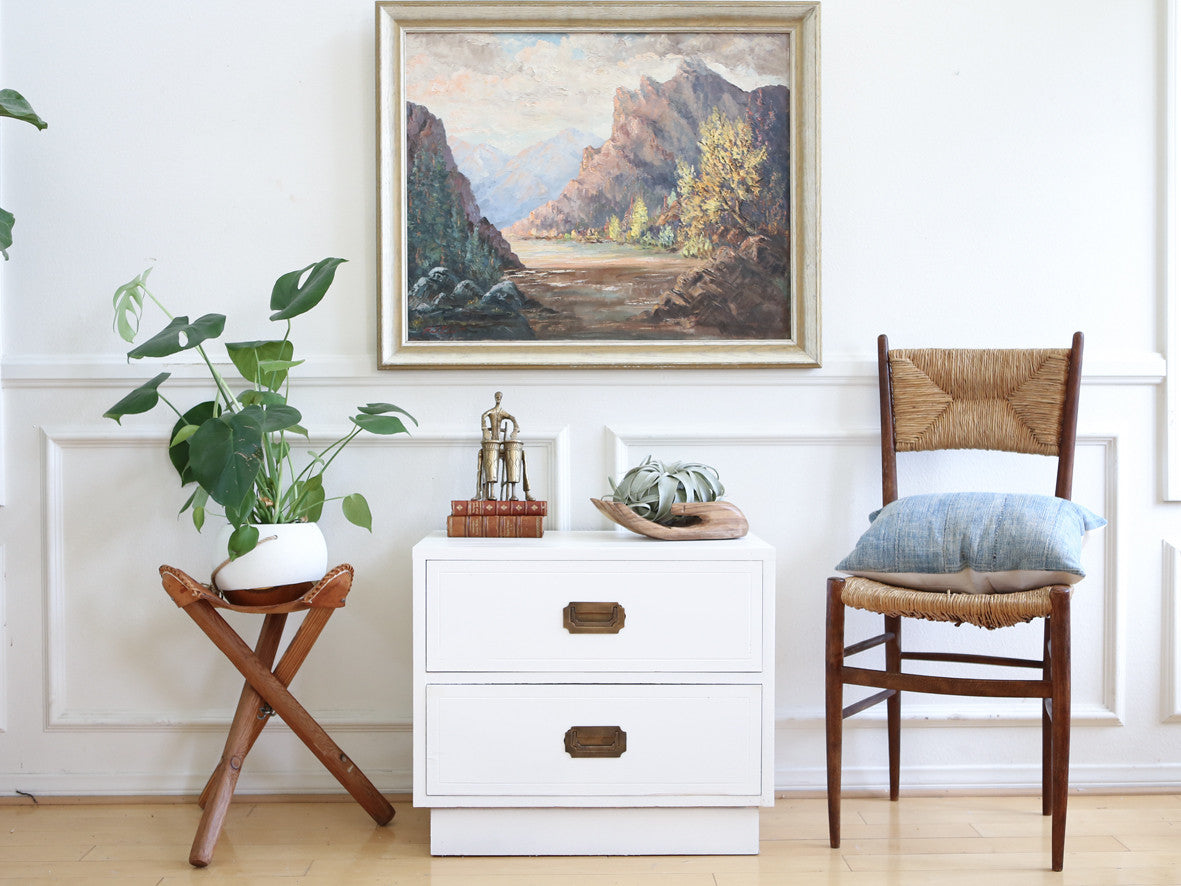 White Lacquered Campaign Chest / Nightstand / Side table No 519 ...