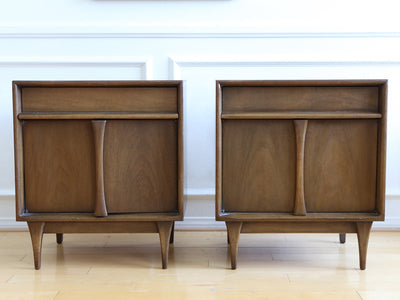 Mid Century Modern Vintage Nightstands / Side Table - A Pair No 593 - ShopGoldenPineapple
