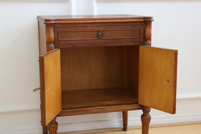 Antique Single NightStand / Side Table / End Table No 390 - ShopGoldenPineapple